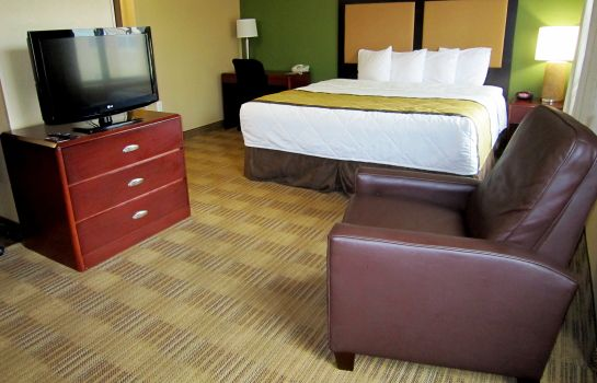 Zimmer Extended Stay America TPA Airport N Westshore Blvd