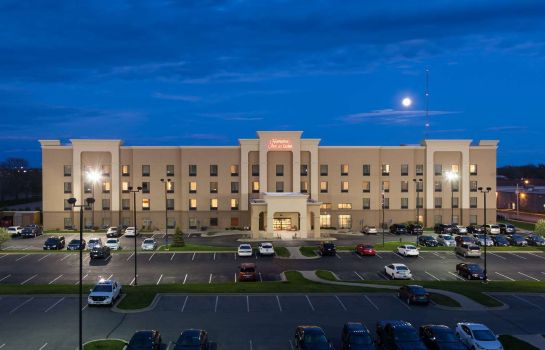 Buitenaanzicht Hampton Inn - Suites Cedar Rapids - North