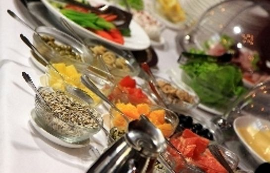 Breakfast buffet Hotel Fado