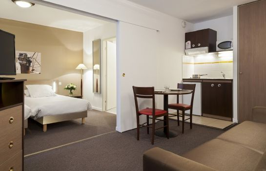 Doppelzimmer Standard Comfort Suites Port Marly Paris Ouest
