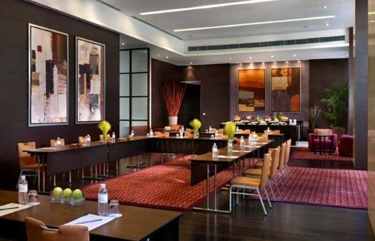 Hotel bar Marriott Executive Apartments-Sukhumvit Park Bangkok