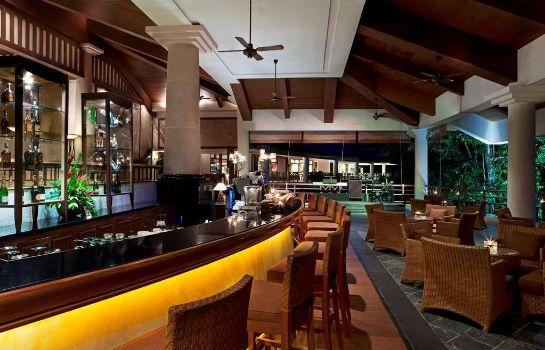 Hotel bar The Andaman a Luxury Collection Resort Langkawi