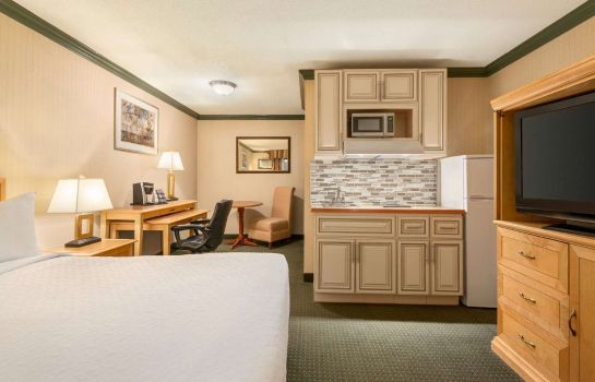 Suite Travelodge by Wyndham Dawson Creek