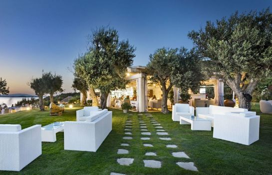Entorno Hotel La Rocca Resort & Spa