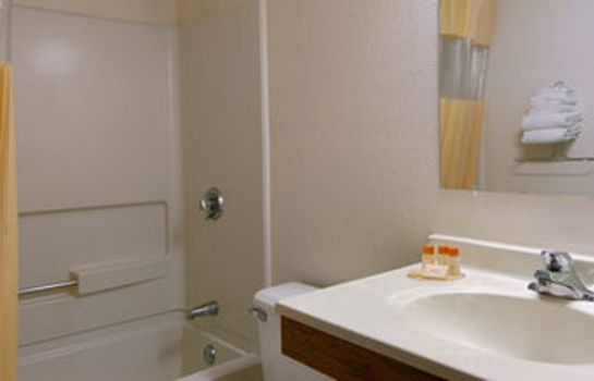 Zimmer Days Inn - Brunswick Bath Area