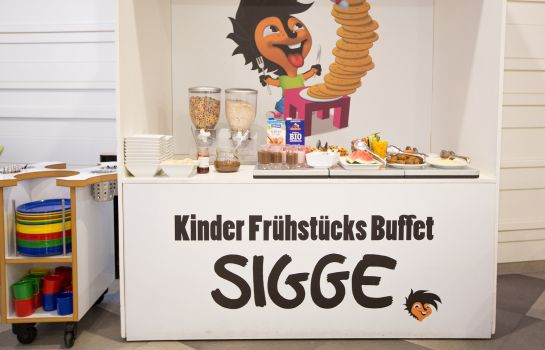 Breakfast buffet Scandic Berlin Potsdamer Platz