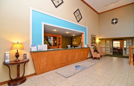 Lobby SUPER 8 BY WYNDHAM LAKE OF THE OZARKS
