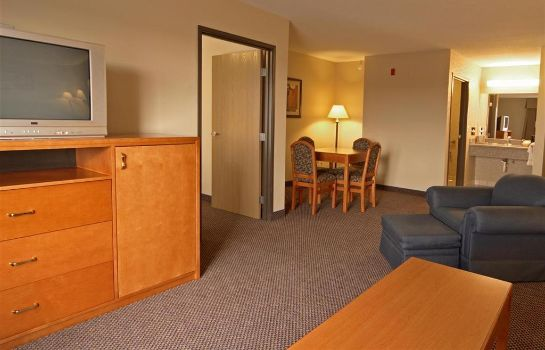 Zimmer PAOLA INN AND SUITES