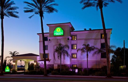 Exterior view La Quinta Inn Ste Long Beach/Cypress