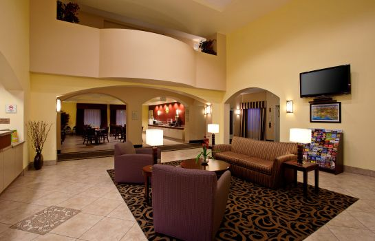 Lobby La Quinta Inn and Suites NE Long Beach/Cypress