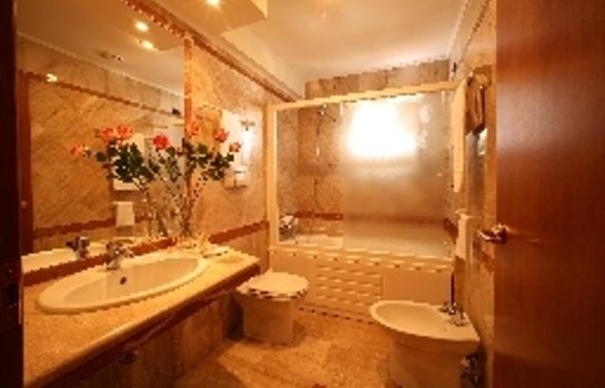 Bathroom Palace 2000