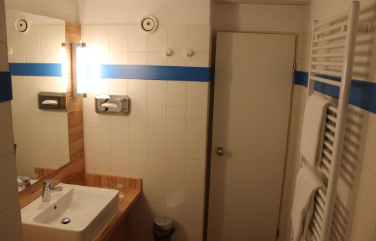 Bathroom Star Inn Hotel Premium Bremen Columbus, by Quality