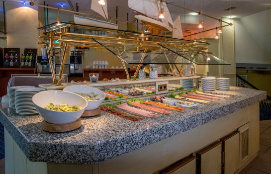 Breakfast buffet Star Inn Hotel Premium Bremen Columbus, by Quality