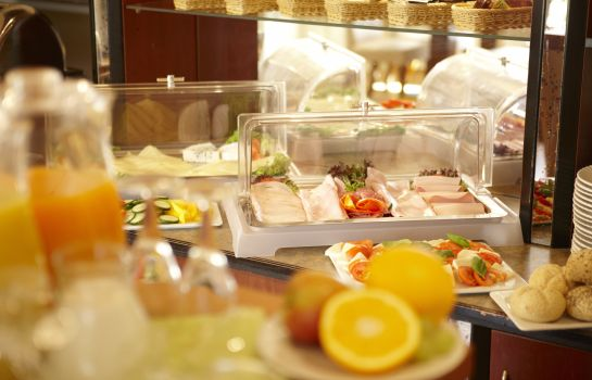 Breakfast buffet Hotel Koenigstein Kiel by Tulip Inn