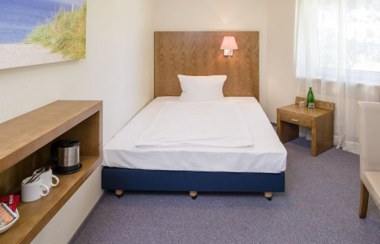 Single room (standard) Hotel Koenigstein Kiel by Tulip Inn