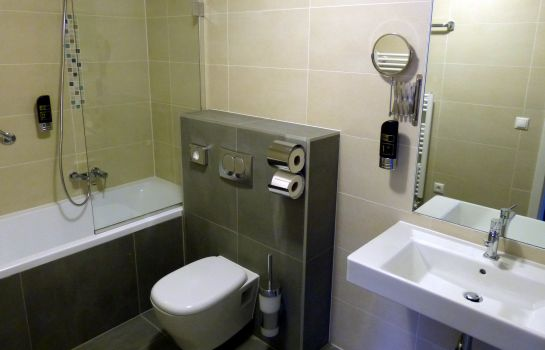 Bathroom Regency Suites