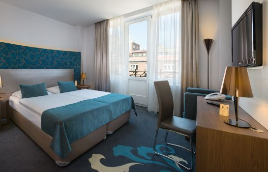 Double room (standard) Regency Suites
