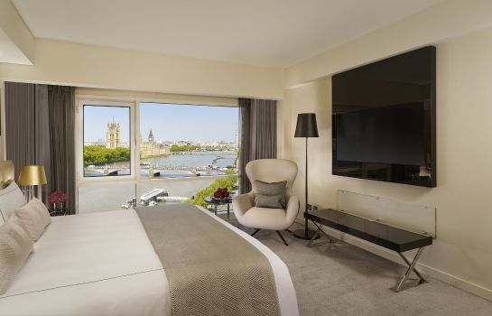 Kamers Plaza on the River London