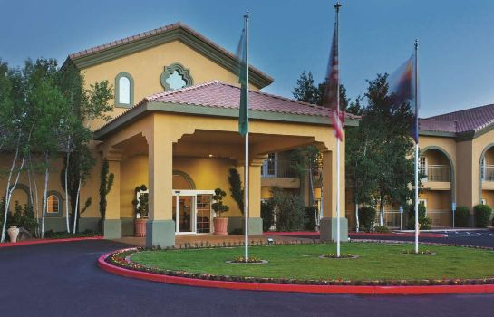 Außenansicht La Quinta Inn and Suites Conference Center Prescott