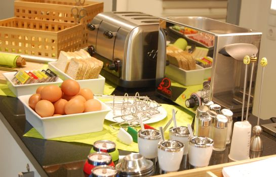 Ontbijtbuffet Boardinghouse HOME - adults only
