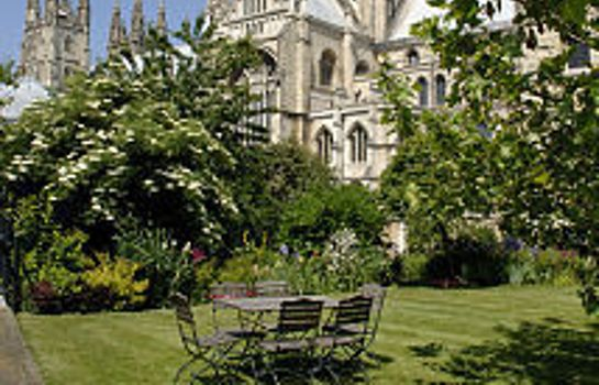 Garden Canterbury Cathedral Lodge