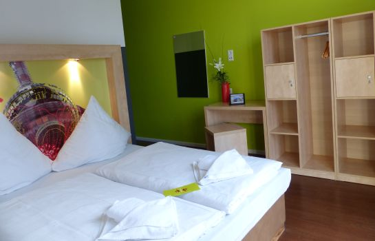 Doppelzimmer Standard H+ Hotel HVD 4Youth Am Mauerpark