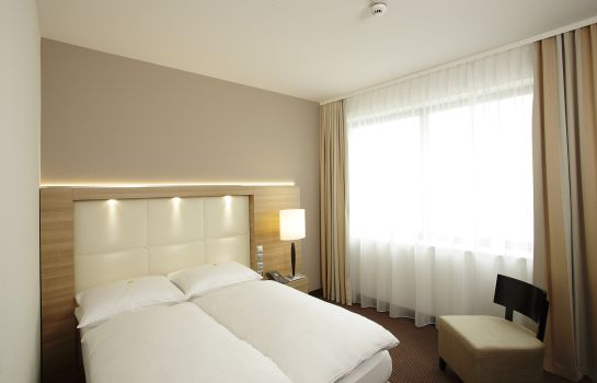 Double room (standard) H4 Hotel Berlin Alexanderplatz