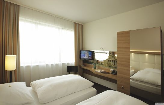Double room (superior) H4 Hotel Berlin Alexanderplatz (ehemals Ramada)