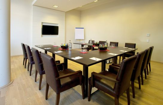 Conference room GHOTEL hotel & living