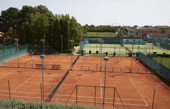 Campo da tennis Green Garden Resort