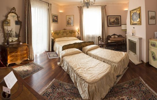 Four-bed room Relais Villa Clodia