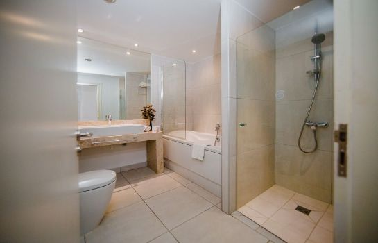 Bagno in camera Napa Plaza Hotel-Adults Only