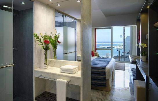 Bagno in camera Kyma Suites Beach Hotel
