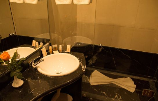 Bagno in camera Oum Palace Hotel & Spa