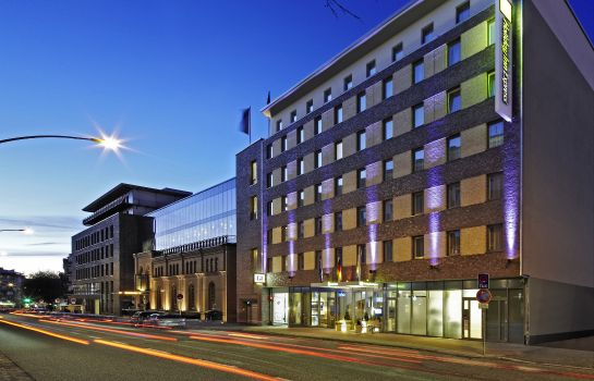Außenansicht Holiday Inn Express HAMBURG-ST. PAULI MESSE