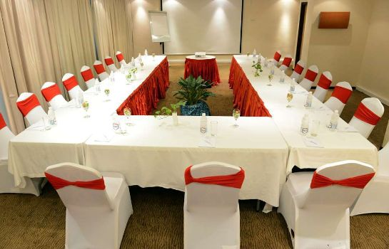 Salle de séminaires Golden Tulip Festac Lagos Hotel and Conference Centre