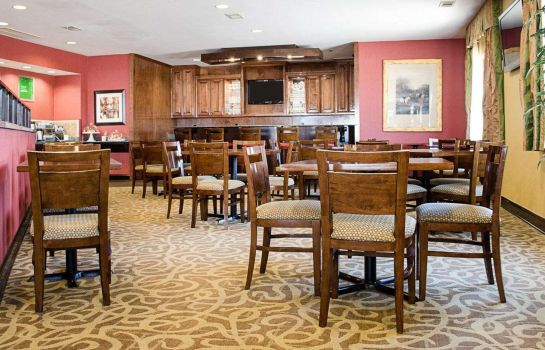 Restaurant Comfort Suites Greenwood