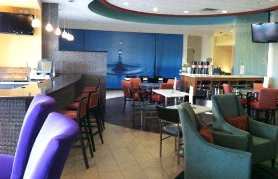 Hotel bar SpringHill Suites Durham Chapel Hill