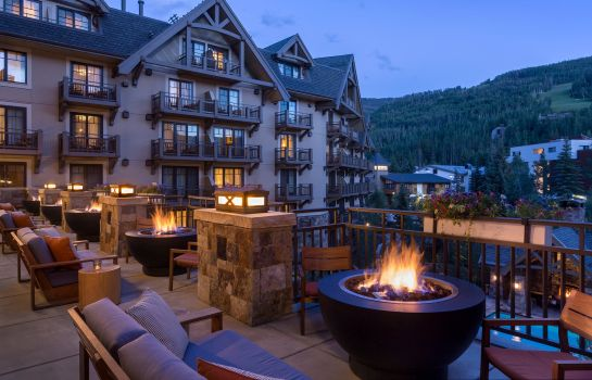 Hotel bar Four Seasons Resort Vail