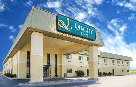 Exterior view Quality Inn South Hutchinson