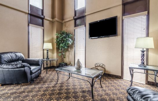 Lobby Quality Inn South Hutchinson