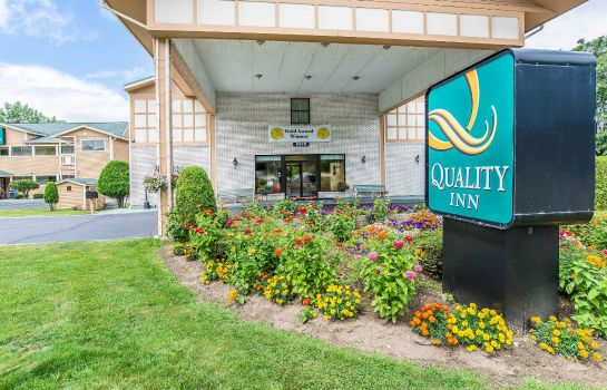 Außenansicht Quality Inn Shelburne-Burlington