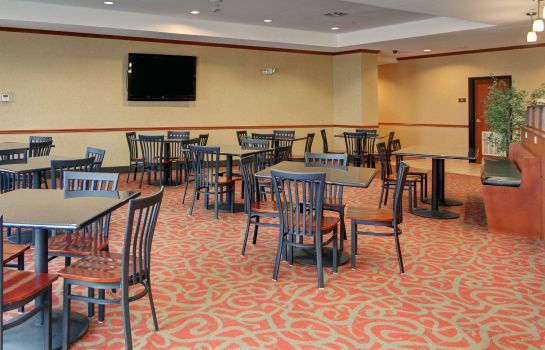 Ristorante Comfort Suites Near Cedar Creek Lake