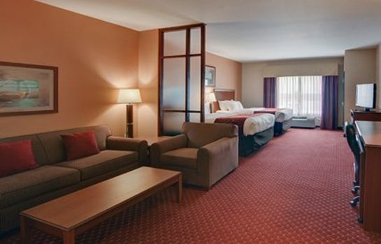 Suite Comfort Suites Near Cedar Creek Lake