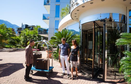 Info Kristal Palace TonelliHotels