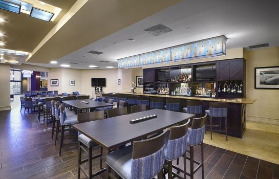 Bar del hotel DoubleTree by Hilton Orlando Downtown
