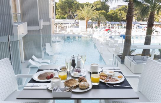 Breakfast buffet Senses Palmanova