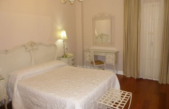 Double room (superior) Le Petit Paris