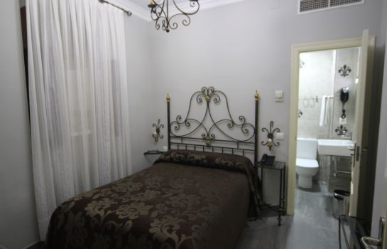 Chambre double (standard) Roma Hostal
