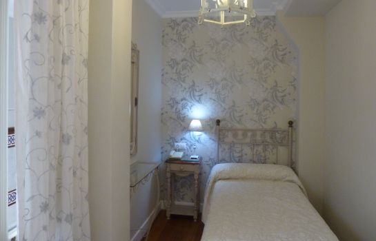 Single room (standard) Le Petit Paris